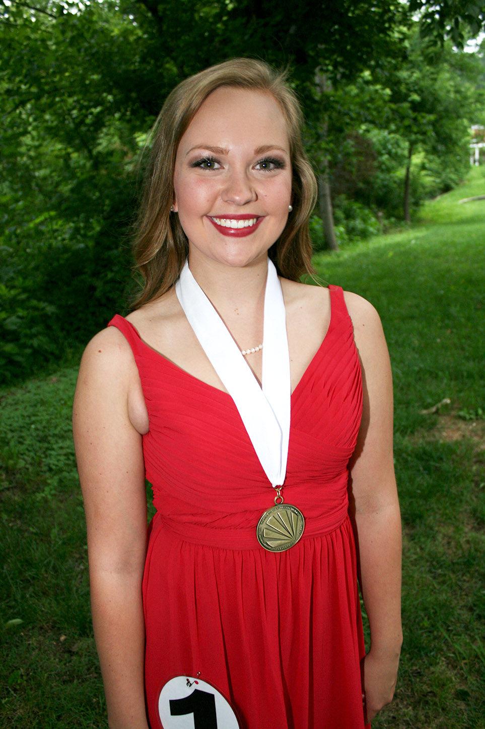 Alabama/saint clair county/ragland - Ragland S Savannah Jackson Wins St Clair County Distinguished Young Woman Program