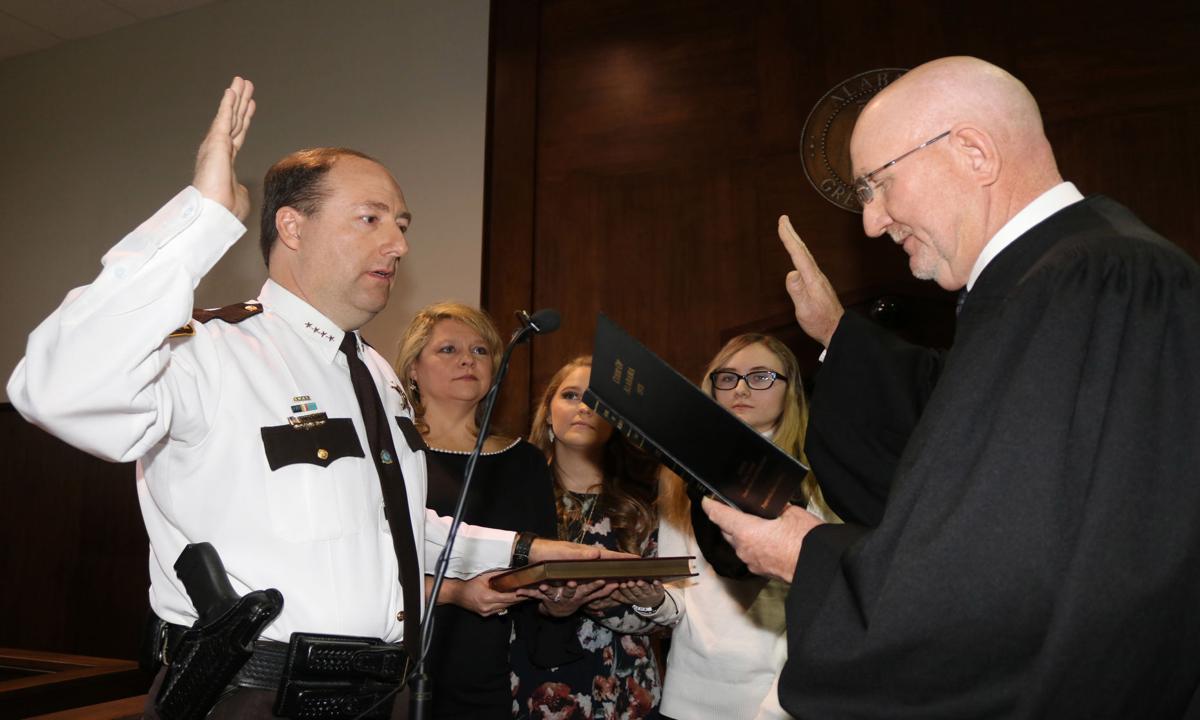 Billy Murray sworn in