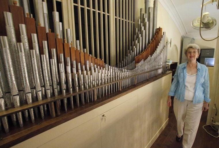 Refurbished pipe organ