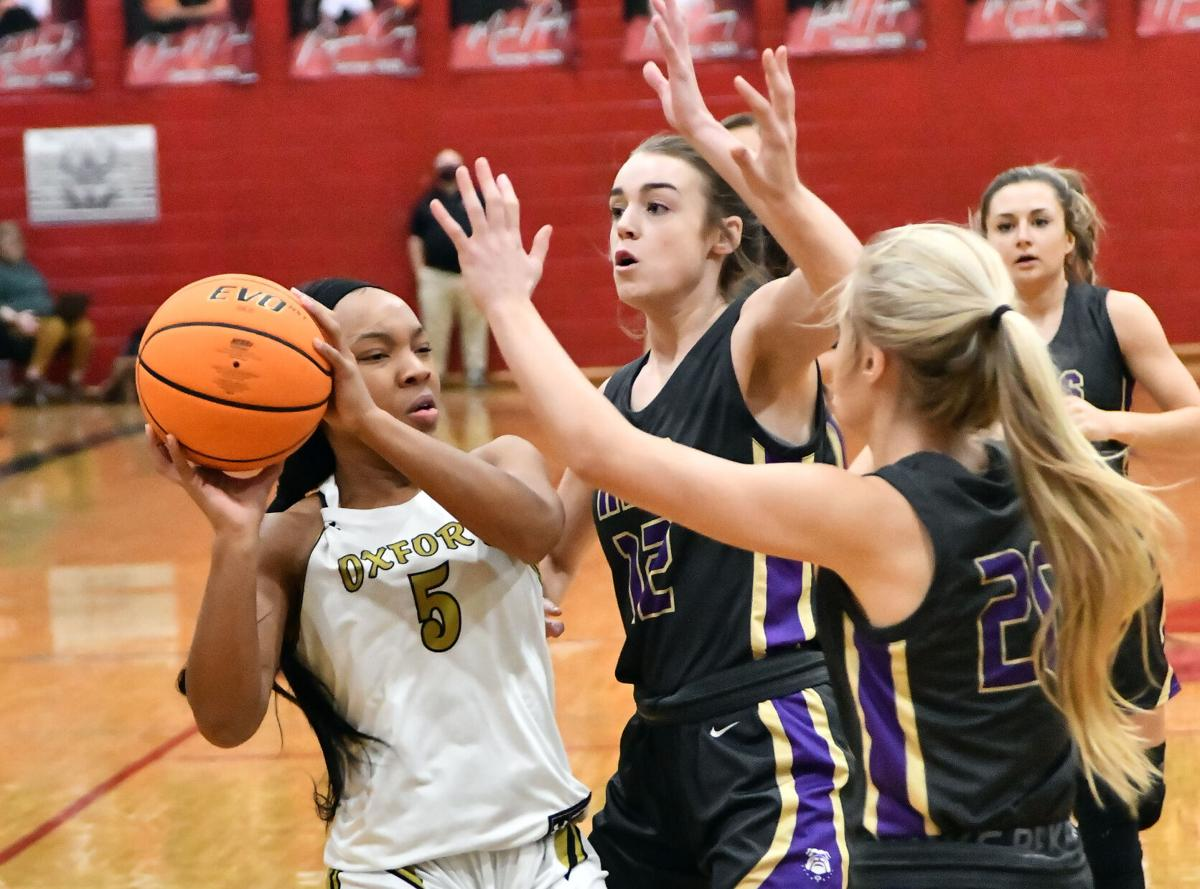 Heflin Hoops Tournament - Oxford vs Ranburne Girls  BW 16.JPG