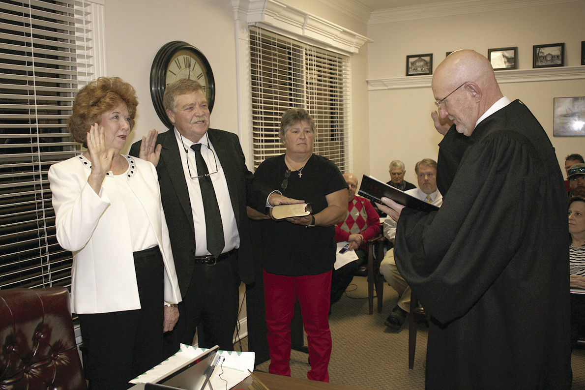 St. Clair County BOE members sworn in