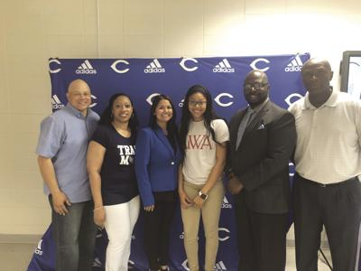Swain signs with West Alabama