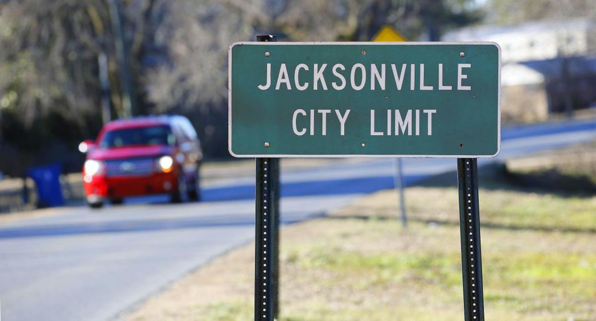 Jacksonville council approves suspension for assistant police chief