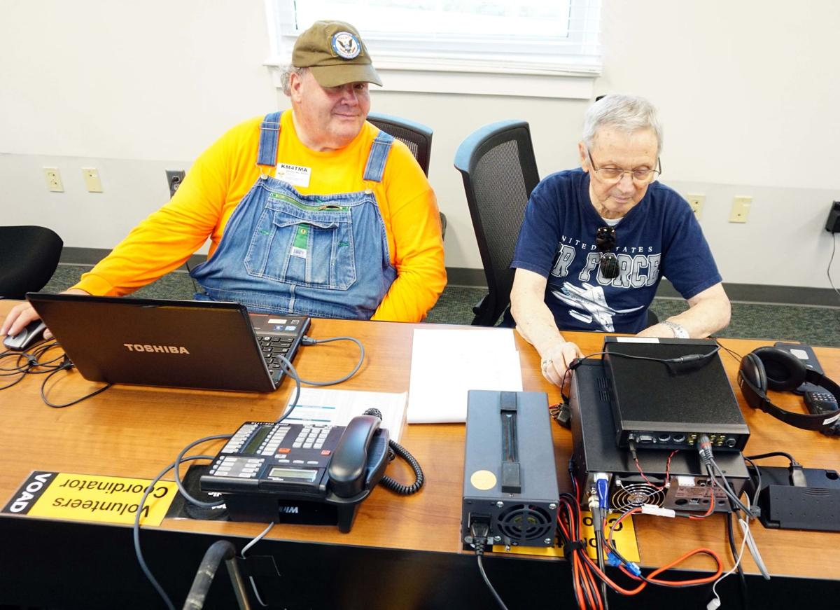 Ham Radio Field Day BW 009.JPG
