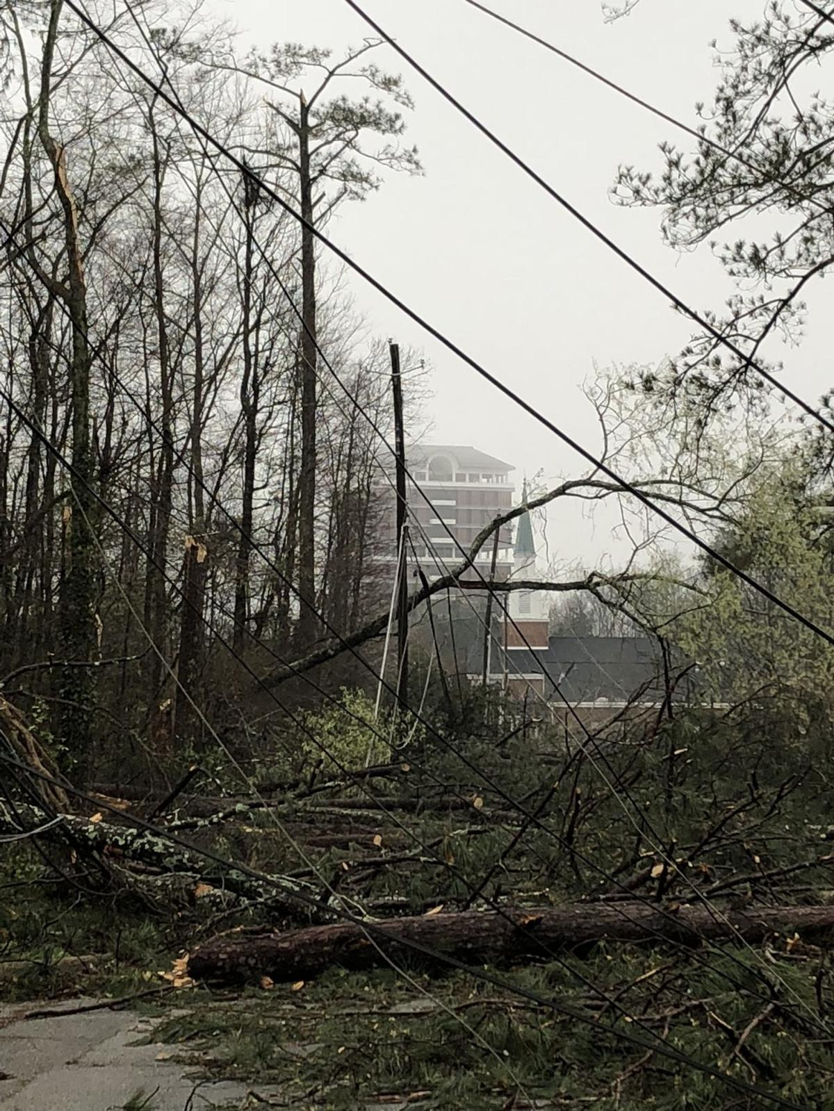 Mayor expects storm damage to keep lights off for a few days; No fatalities reported as of this morning