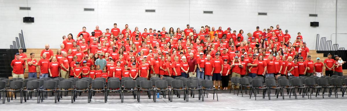 Serve Day group photo - credit Claire Hodges.jpg