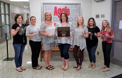 Pinecrest Elementary 4th-grade teachers, students honored for bicentennial project
