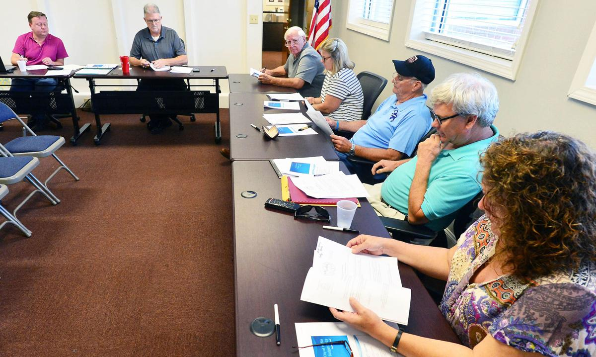 Council meets in Heflin