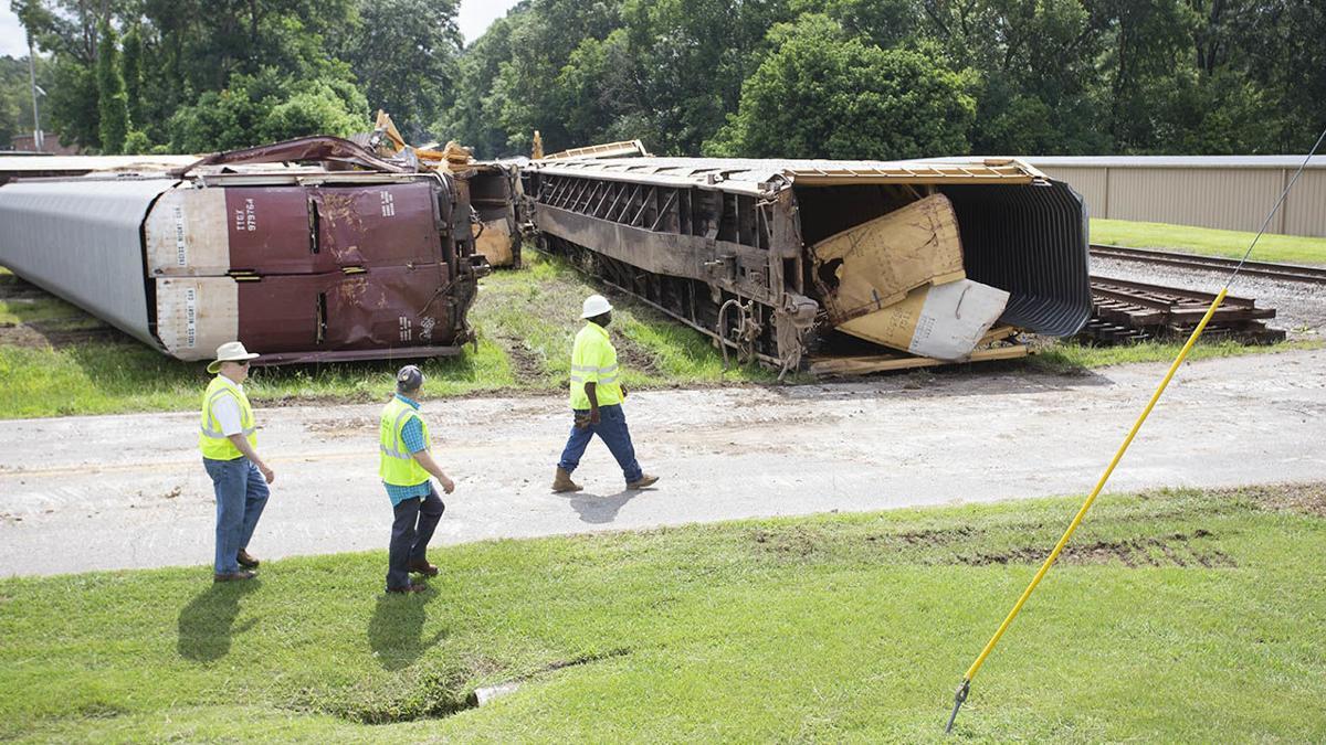Train derailment in Pell City (photo gallery)