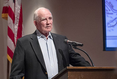 Former governor shares memories of WWII battle