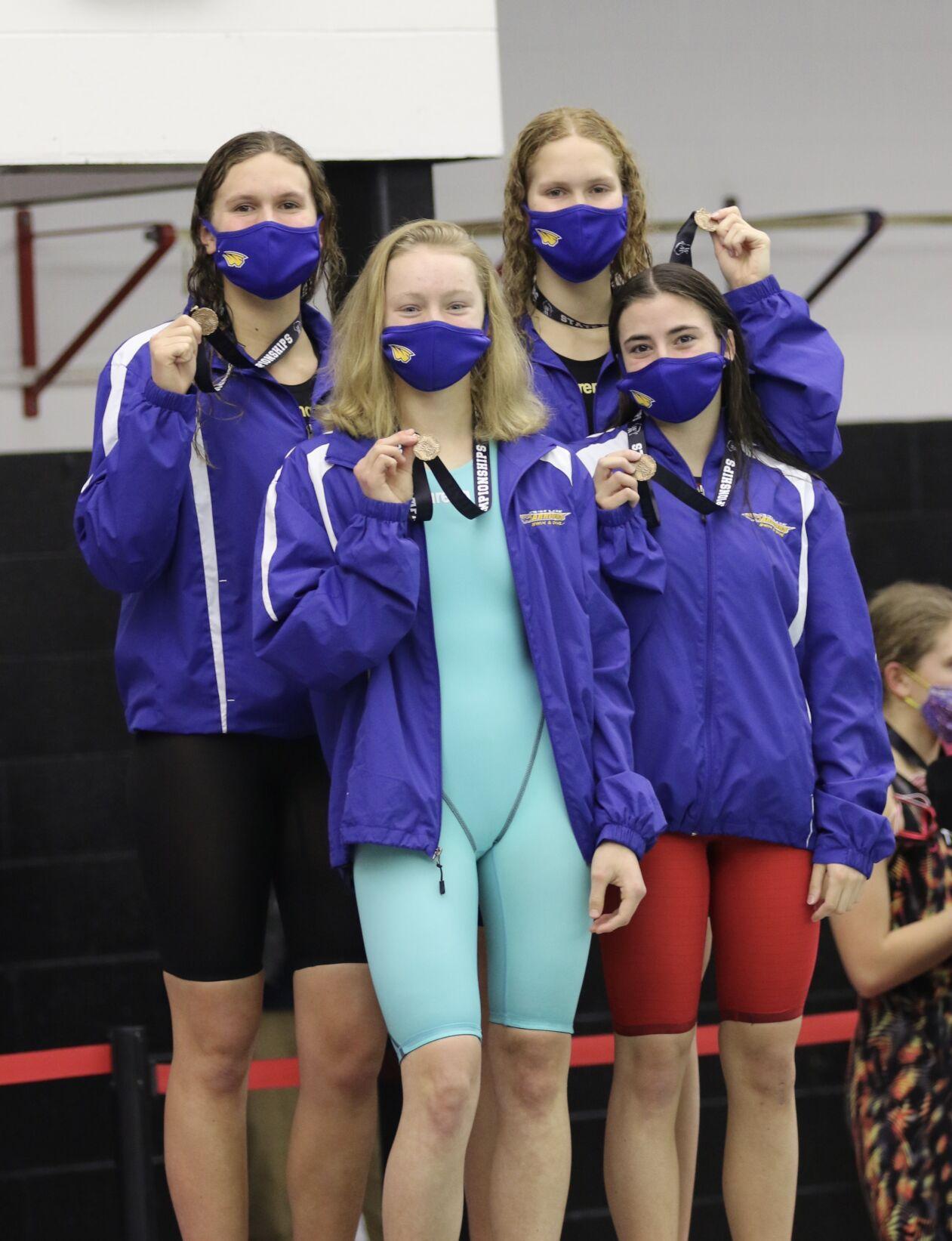 Rice Lake swim 200 freestyle relay