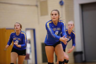Seniors lead versatile, deep volleyball team | Paywall | apg-wi com