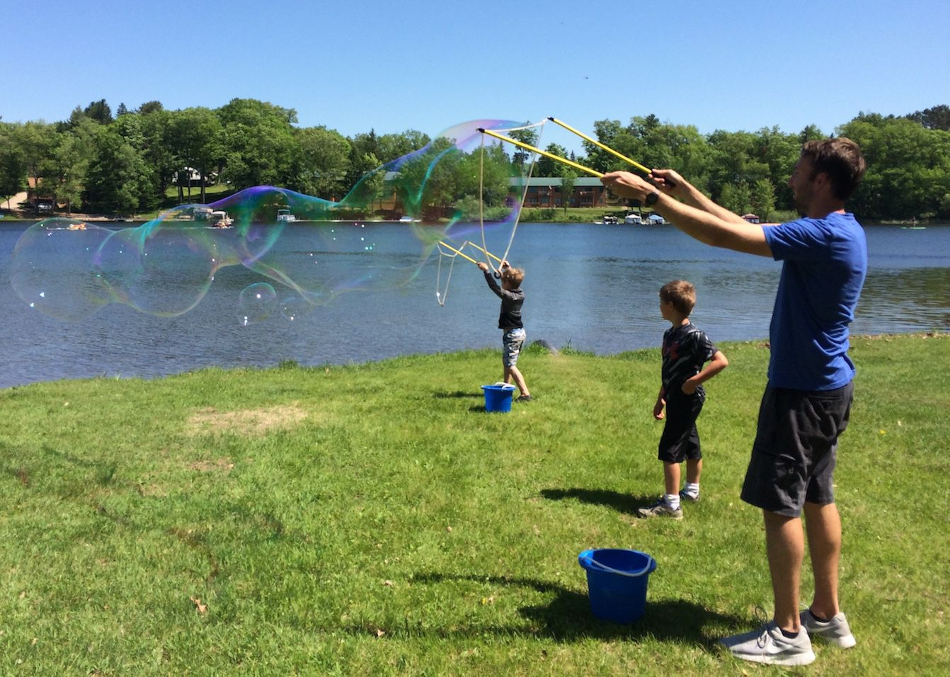 Island City's Celebration of Arts included bubbles