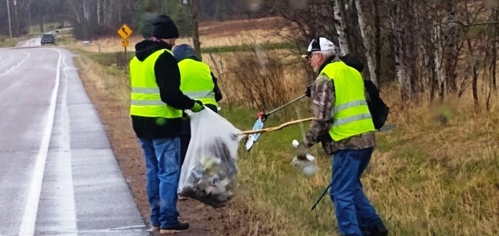 Gem and Mineral Society cleans up, hikes the quarry