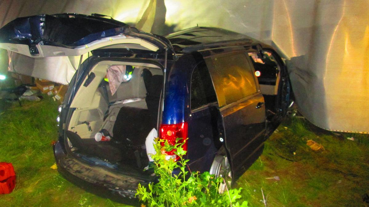 Nine are injured in semi, van crash near Black River Falls | Free