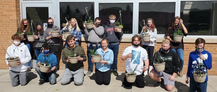 Horticulture class announces plant sale