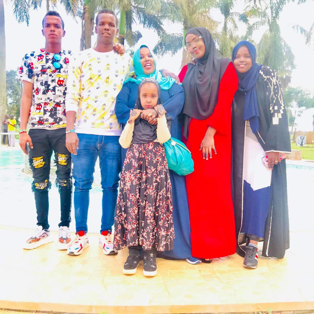 Somali-family.jpg