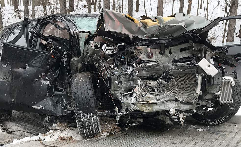 Chippewa County deputy injured in head-on crash | Free | apg