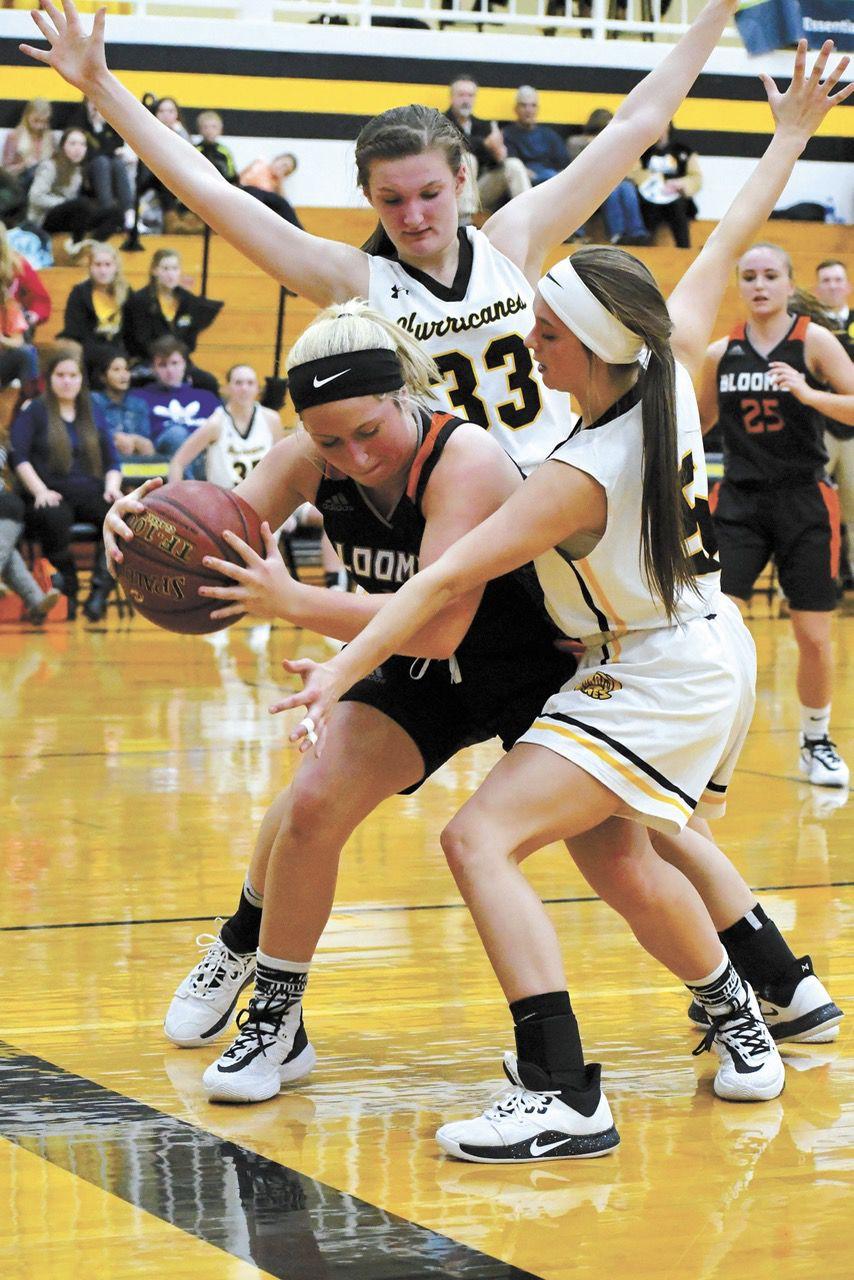 girls hoops-defense 1.jpg