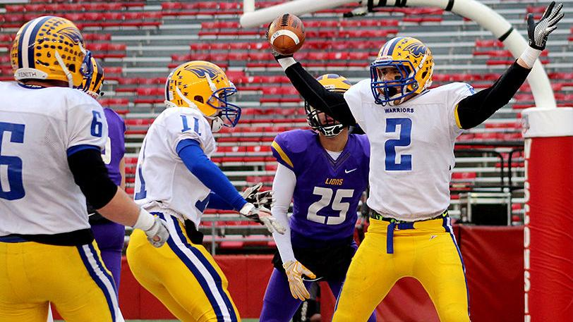 Rice Lake wins football state championship in convincing fashion