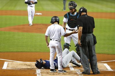 Brewers Yelich Injured Baseball