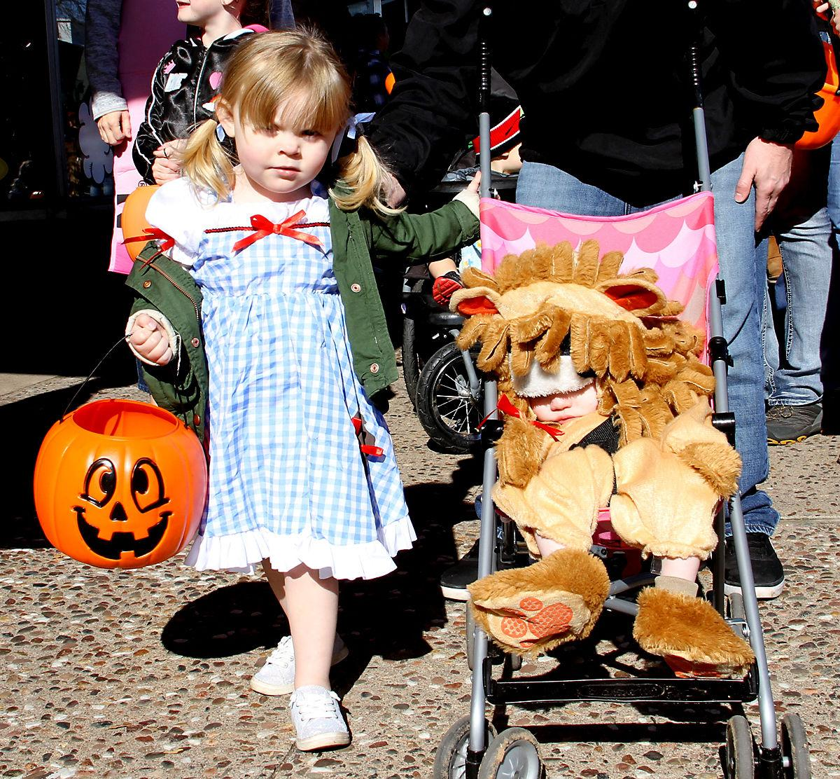 DT Trick-or-Treat_dorothy and lion.jpg