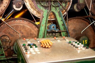 Gloves on paper machine No. 2