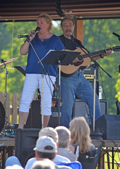 Paula Houdek and The Huzz Band