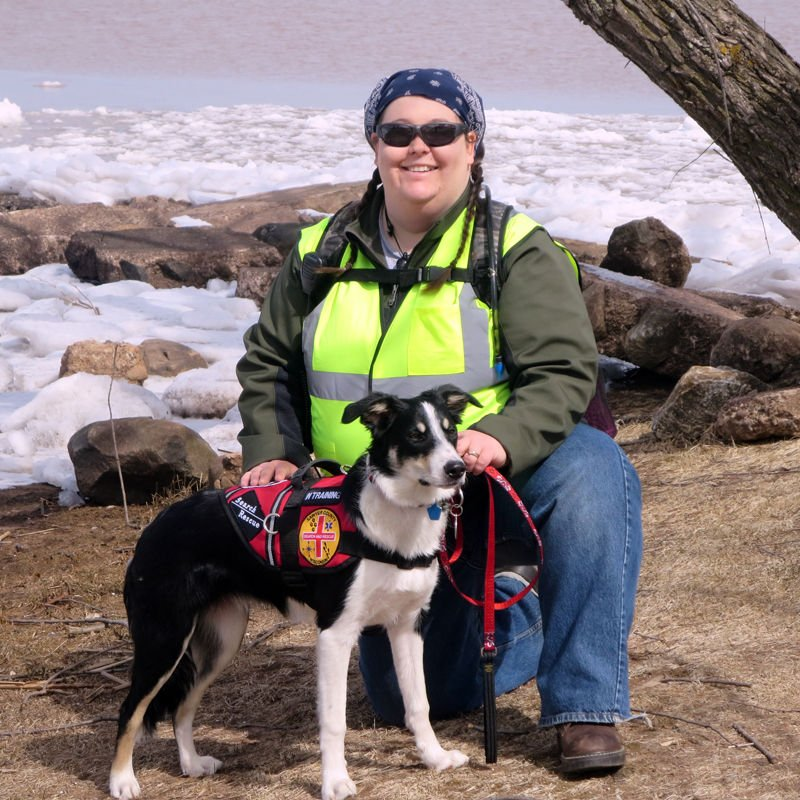 how to become a search and rescue dog trainer