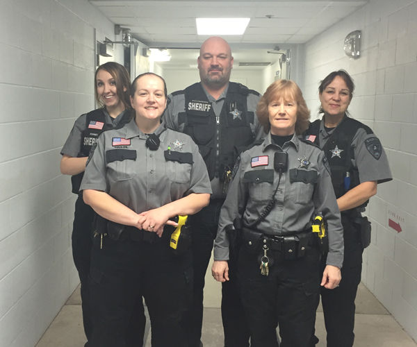 female correctional officers A group of inmates rescued a female correction officer who was nearly raped by a prisoner inside a locked vestibule on rikers island.