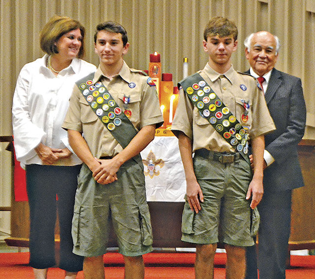 Twin eagle scouts