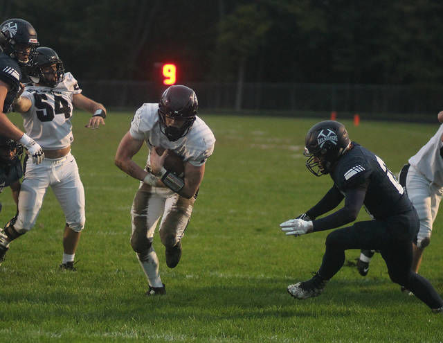 FOOTBALL: Orr runs for 7 TDs in place of injured Moore as Hornets thump Durand
