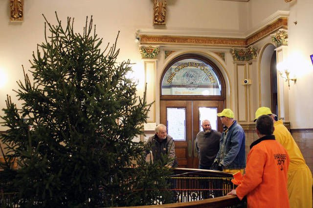 Christmas spirit fills courthouse