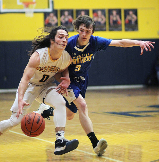 BOYS BASKETBALL: Loynes ties brother's 3-point record in O-E win