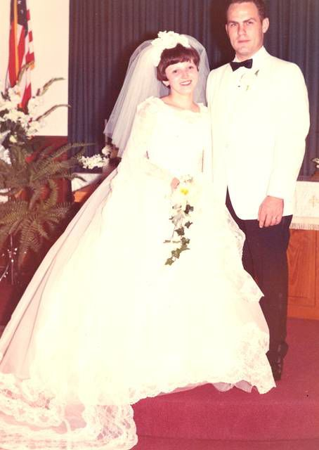 ANNIVERSARY: Mr. and Mrs. Ronald (Connie) Paksi