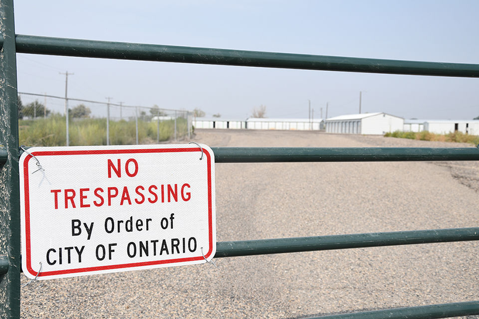 Ontario golf course gate