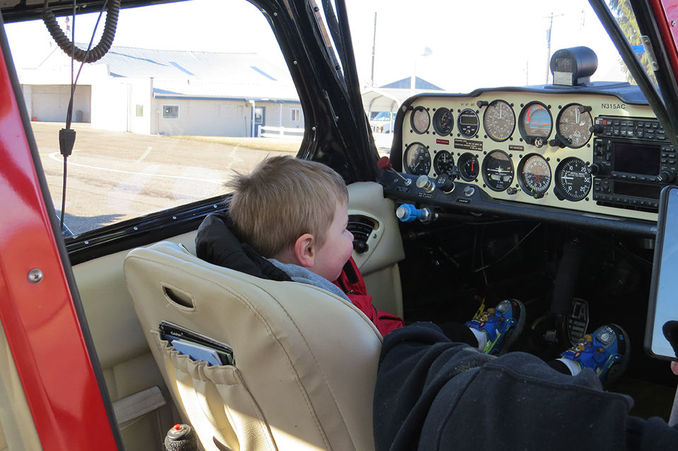Young learners look at aviation