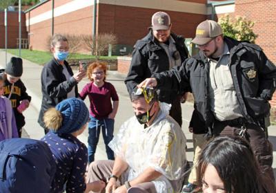 Egging the sheriff