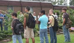 HHS Students Gather at the Pole
