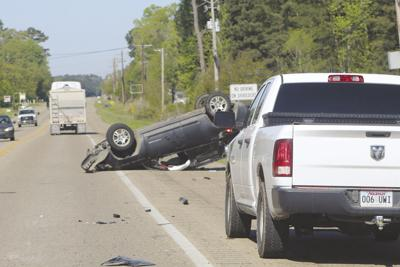 Everyone walks away after three-vehicle wreck