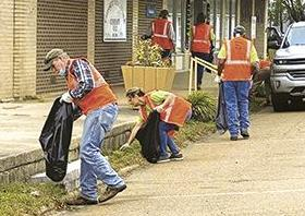 Volunteers participate in Keep Crossett Beautiful campaign