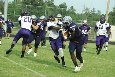 Hamburg Lions take on Junction City Dragons in scrimmage
