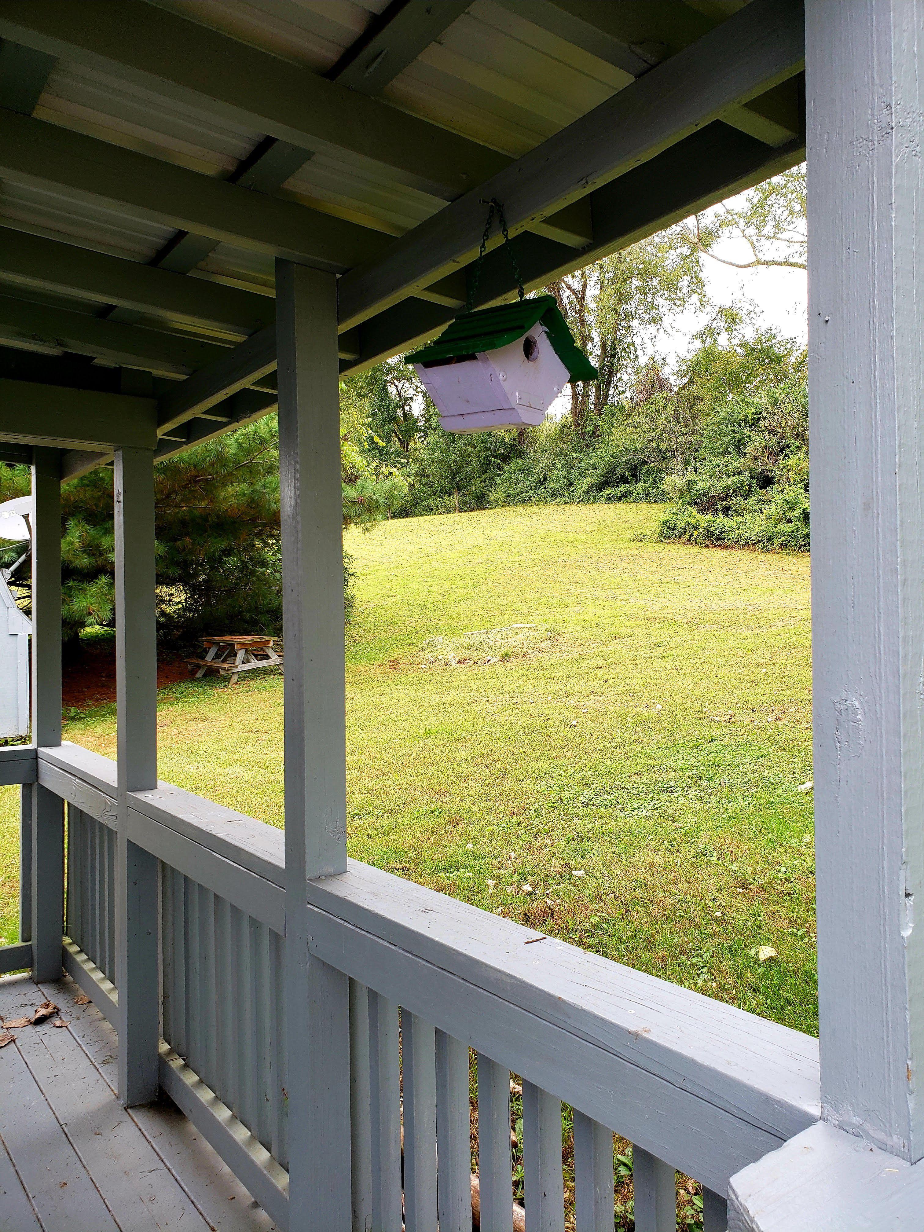 Immediate Occupancy - Clean - Nice Back Yard image 2