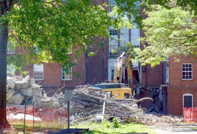 Demolition of South Green dorms resumes | Campus News