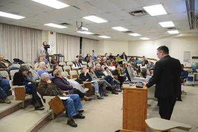 Risks of oil and gas pipelines weighed in local forum