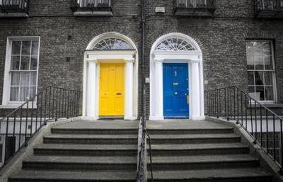 dublin-famous-colorful-doors-422844.jpeg