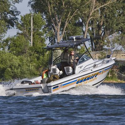 800px-Hennepin_County_Sheriff_-_Water_Patrol_(2624410881).jpg