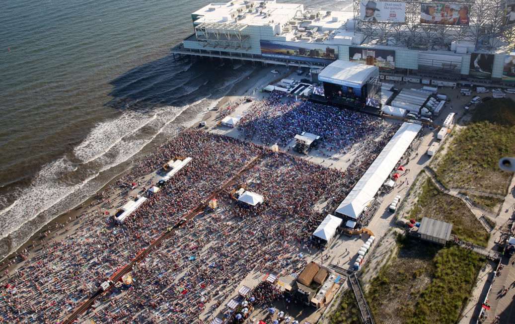 Jimmy Buffett Beach Concert