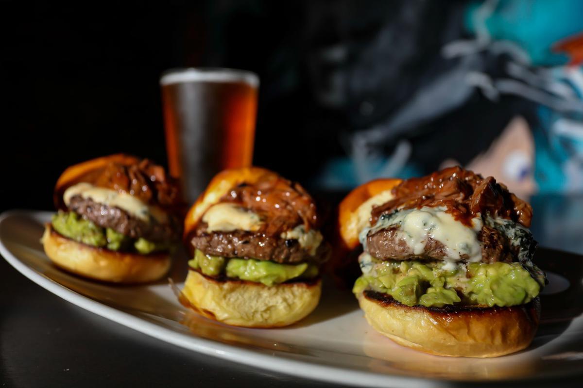 Burger Bash_TennesseeAveBeerHall_2019