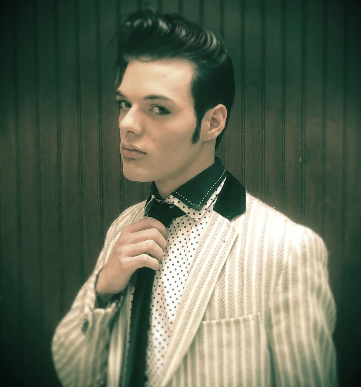 Alex Swindle as Elvis1